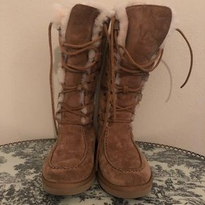UGG Lace Up Fur Lined Boots **AUTHENTIC**